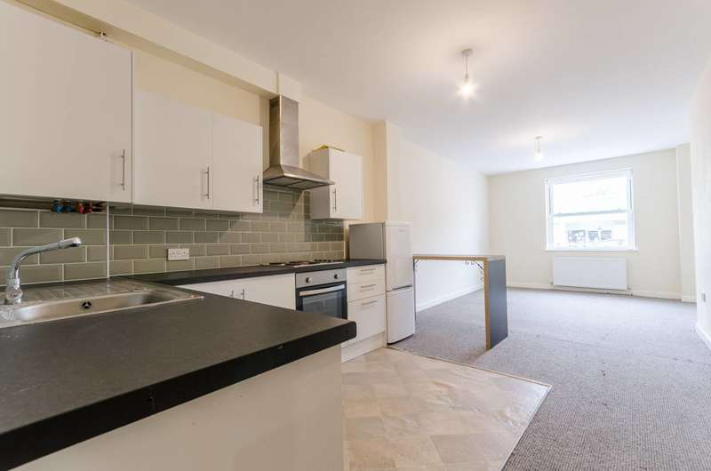 2 Bedrooms House for rent in Higham Hill Road, Walthamstow, E17