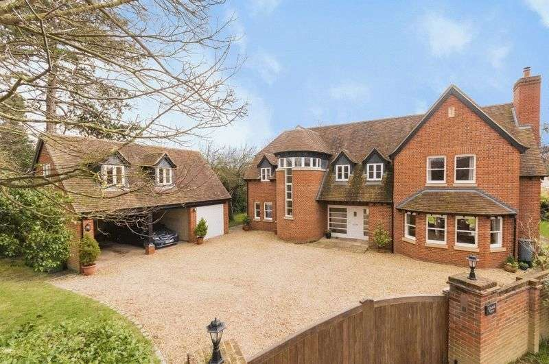 5 Bedrooms Property for sale in All Saints Lane, Sutton Courtenay, Abingdon