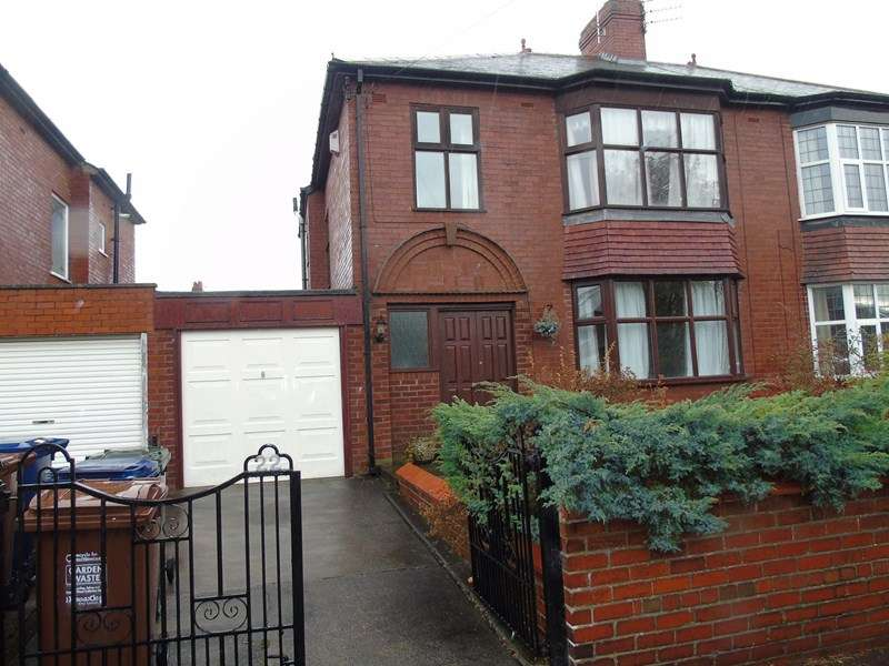 3 Bedrooms Property for sale in Crompton Road, Heaton, Newcastle upon Tyne, Tyne and Wear, NE6 5QL