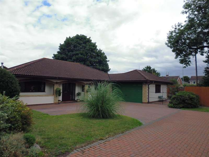 4 Bedrooms Property for sale in Redcote Drive, Lincoln