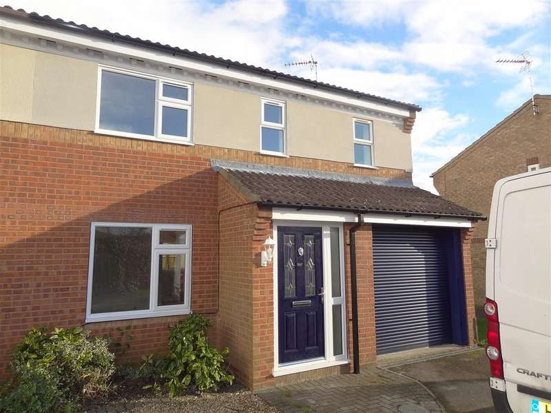 4 Bedrooms Detached House for sale in Cygnet Close, Sleaford