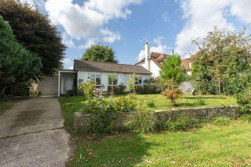 3 Bedrooms Detached Bungalow for sale in Delling Lane, Bosham, PO18