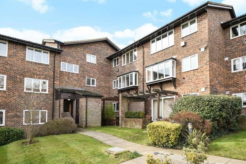 2 Bedrooms Flat for sale in Kingsleigh Walk, Bromley