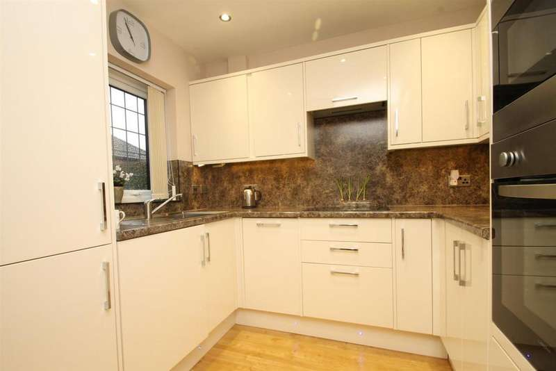 3 Bedrooms Retirement Property for sale in Matterdale Gardens, Barming, Maidstone