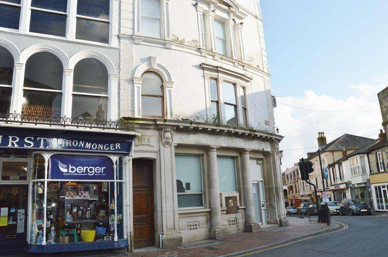 2 Bedrooms Apartment Flat for rent in High Street, Ventnor