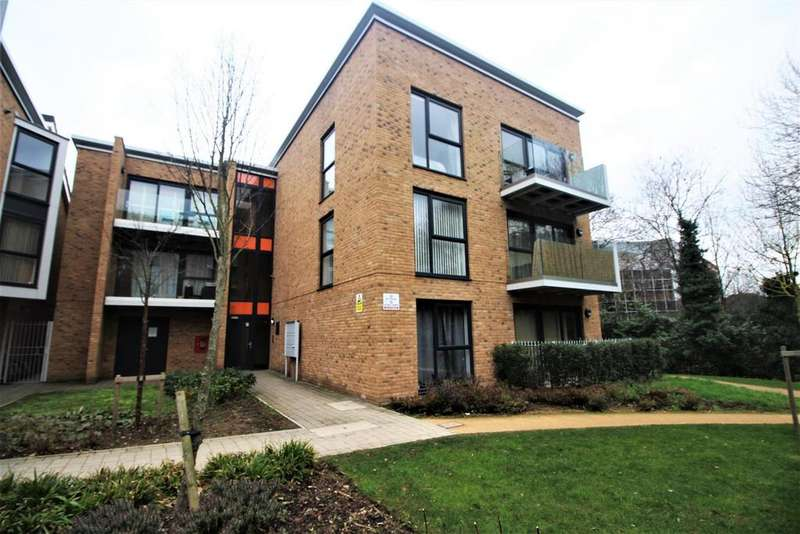 2 Bedrooms Flat for sale in Zodiac Close, Edgware