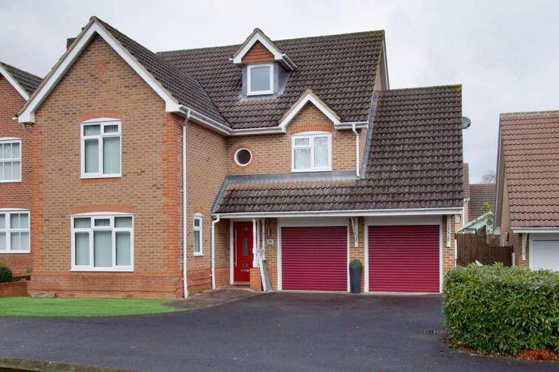 5 Bedrooms House for sale in Denning Mead, Andover