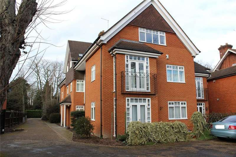 2 Bedrooms Apartment Flat for sale in Catiline Court, 63A Main Road, Gidea Park, RM2