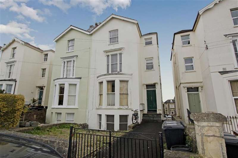 2 Bedrooms Flat for sale in Hampton Park, Redland, Bristol