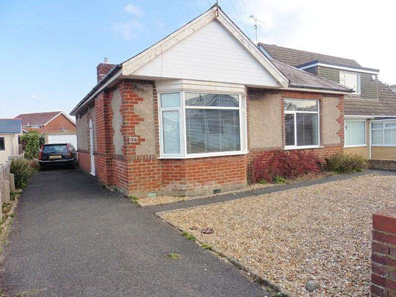 2 Bedrooms Bungalow for sale in Headswell Crescent, Redhill, Bournemouth