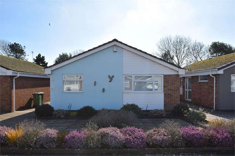 2 Bedrooms Detached Bungalow for sale in Middleton Drive, Langney Point, East Sussex