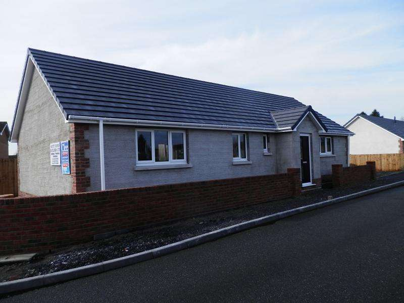 3 Bedrooms Bungalow for sale in Green Lodge, Gas Works Lane, Llandovery, Carmarthenshire.