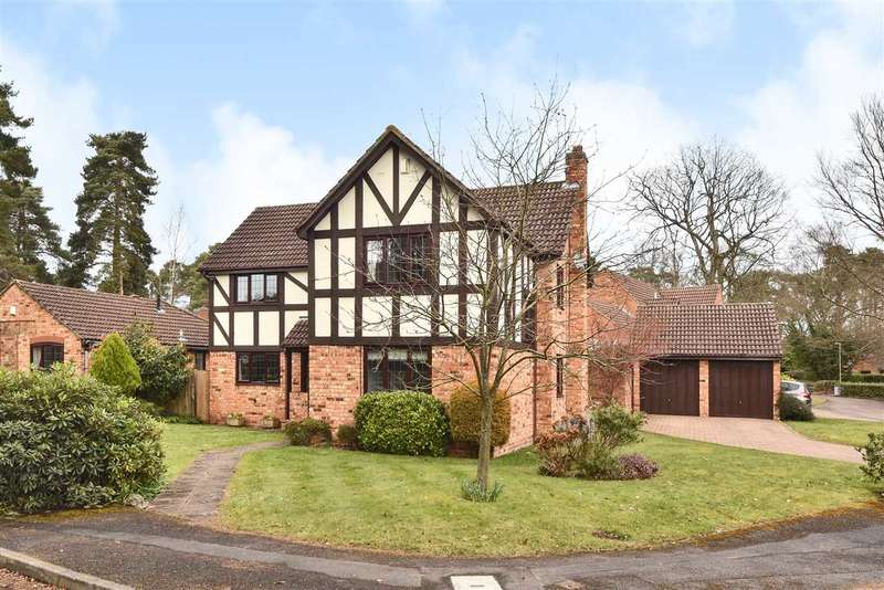 5 Bedrooms Detached House for sale in Holmbury Avenue, Pine Ridge, Crowthorne