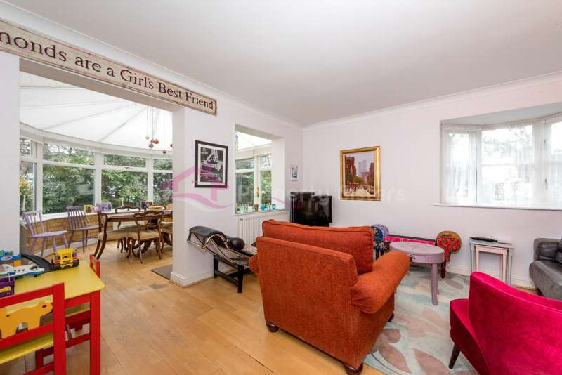 2 Bedrooms End Of Terrace House for sale in Grenville Place, Mill Hill, NW7