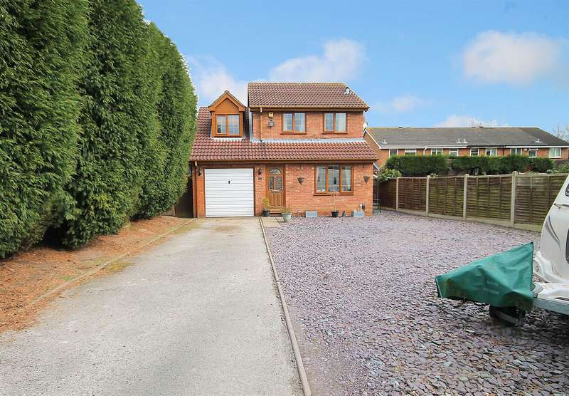 3 Bedrooms Detached House for sale in Lowforce, Wilnecote, Tamworth, B77 4LU