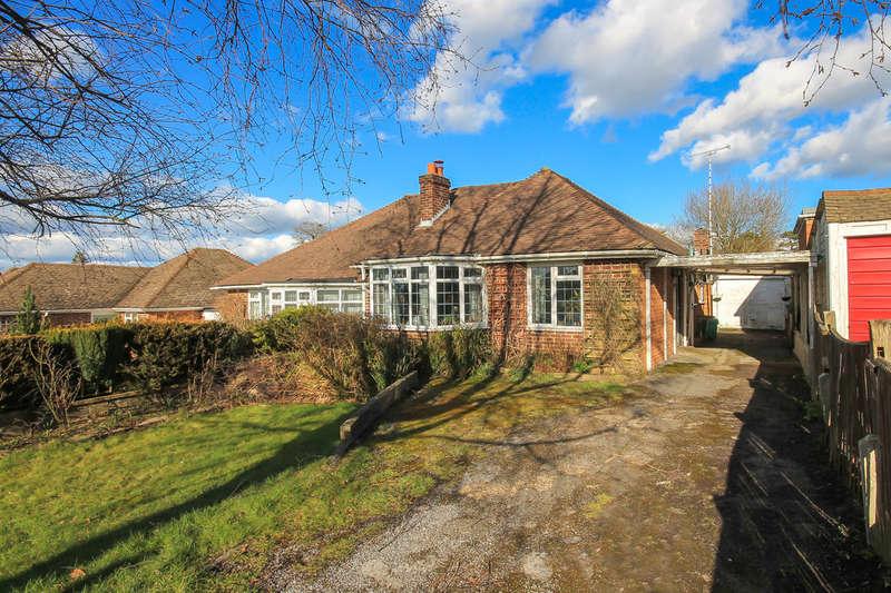 2 Bedrooms Semi Detached Bungalow for sale in Garden Wood Road, East Grinstead