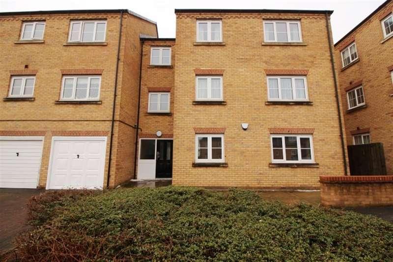 2 Bedrooms Flat for sale in Broadlands Court , Pudsey , LS28 9GE