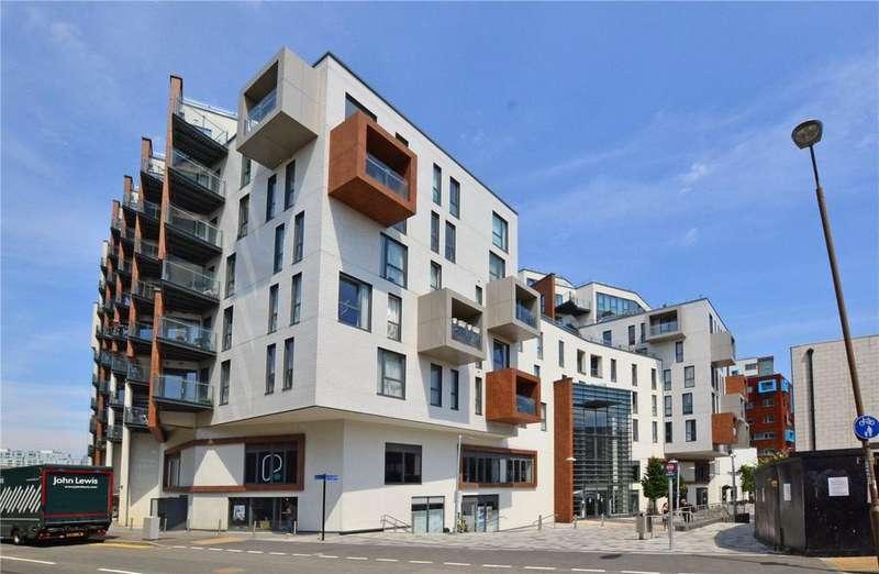 3 Bedrooms Flat for sale in Bellville House, 4 John Donne Way, Greenwich, London, SE10