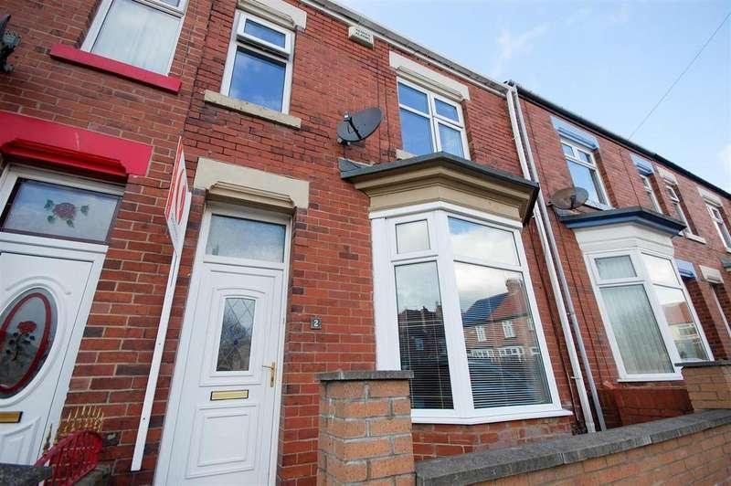 3 Bedrooms Terraced House for sale in Holyoake Terrace, Roker, Sunderland