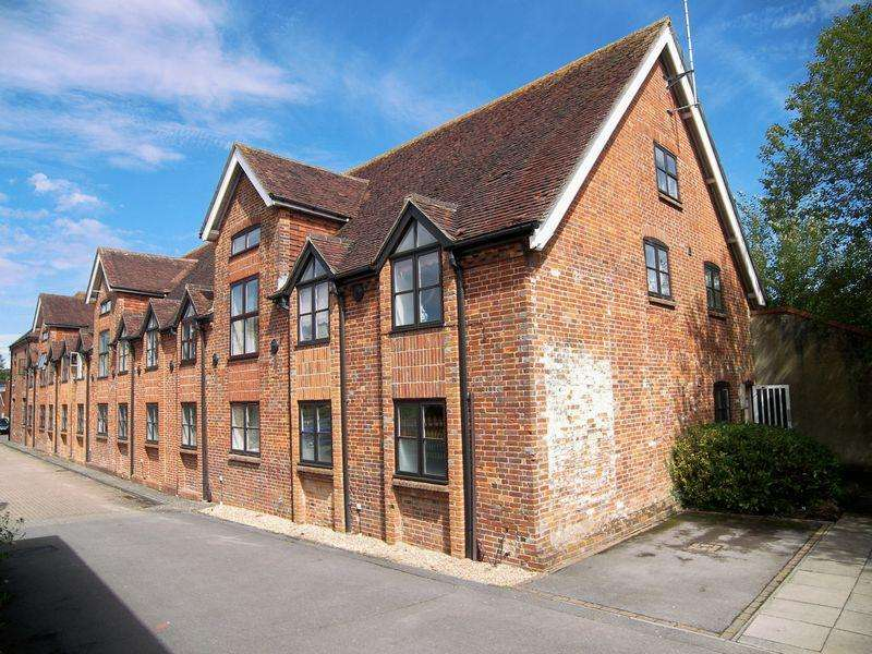 1 Bedroom Apartment Flat for rent in The Maltings, Petersfield