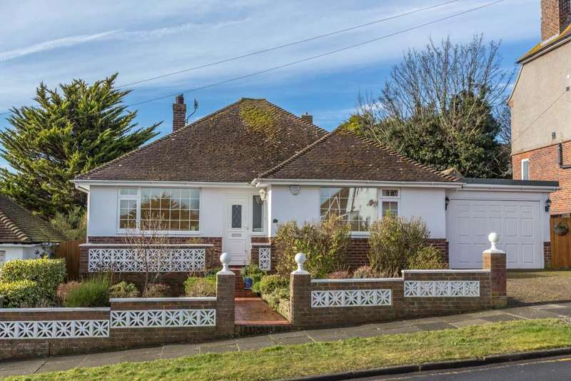 3 Bedrooms Detached Bungalow for sale in Founthill Avenue, Saltdean, Brighton BN2