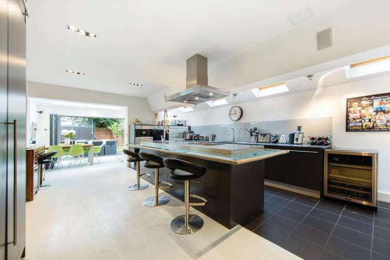 4 Bedrooms House for sale in Kenyon Street, london