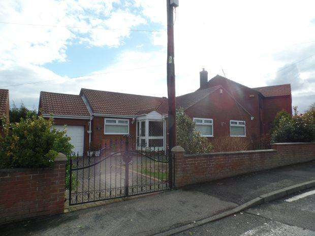 3 Bedrooms Detached Bungalow for sale in HESLEDEN ROAD, BLACKHALL, PETERLEE AREA VILLAGES