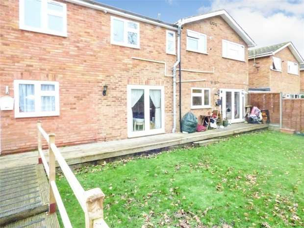 2 Bedrooms Flat for sale in Thornhill, North Weald, Epping, Essex
