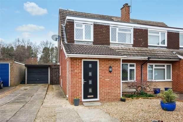 3 Bedrooms Semi Detached House for sale in Farnham, Surrey