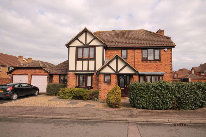 4 Bedrooms Detached House for sale in Brett Drive, Bromham, MK43