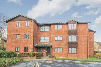 1 Bedroom Flat for sale in Caledonian Court, West Street, Watford, .