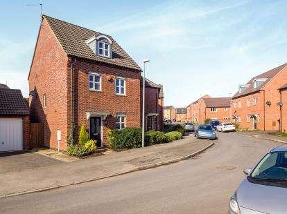 4 Bedrooms Semi Detached House for sale in Ryknield Road, Hucknall, Nottingham, Nottinghamshire
