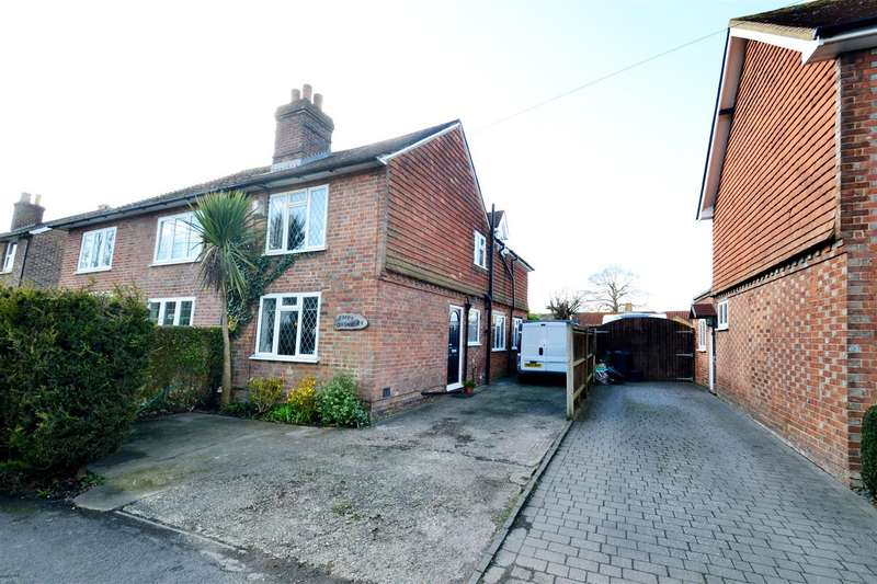 3 Bedrooms Semi Detached House for sale in Bonehurst Road, Horley
