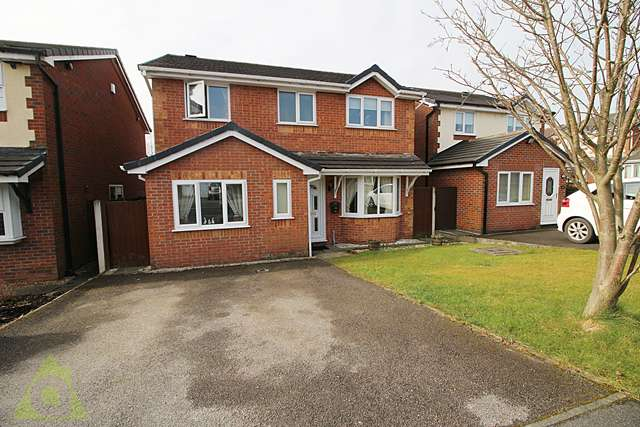 4 Bedrooms Detached House for sale in Sandalwood, Westhoughton, BL5