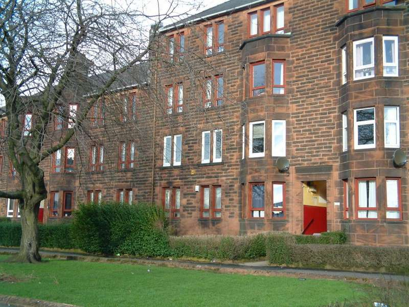 3 Bedrooms Flat for rent in ANNIESLAND - Great Western Road G13