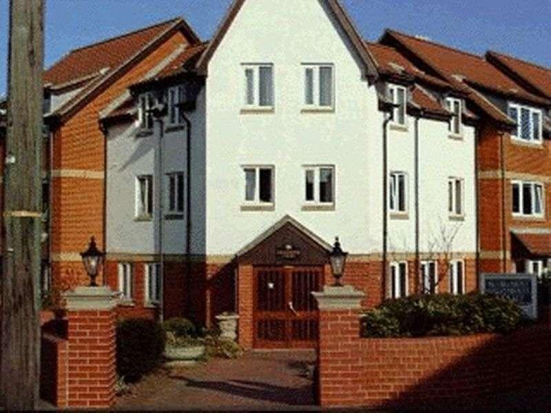 2 Bedrooms Property for sale in Shannock Court, Sheringham, NR26 8DW
