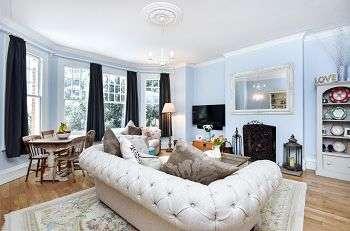 2 Bedrooms Flat for sale in Sundridge Avenue, Sundridge Park, Bromley, Kent, BR1 2PX