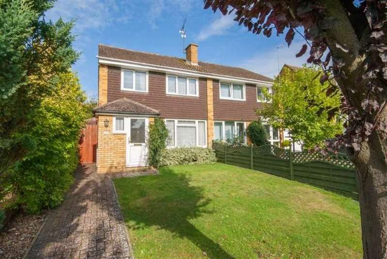 3 Bedrooms Semi Detached House for rent in BERKHAMSTED - Dukes Way