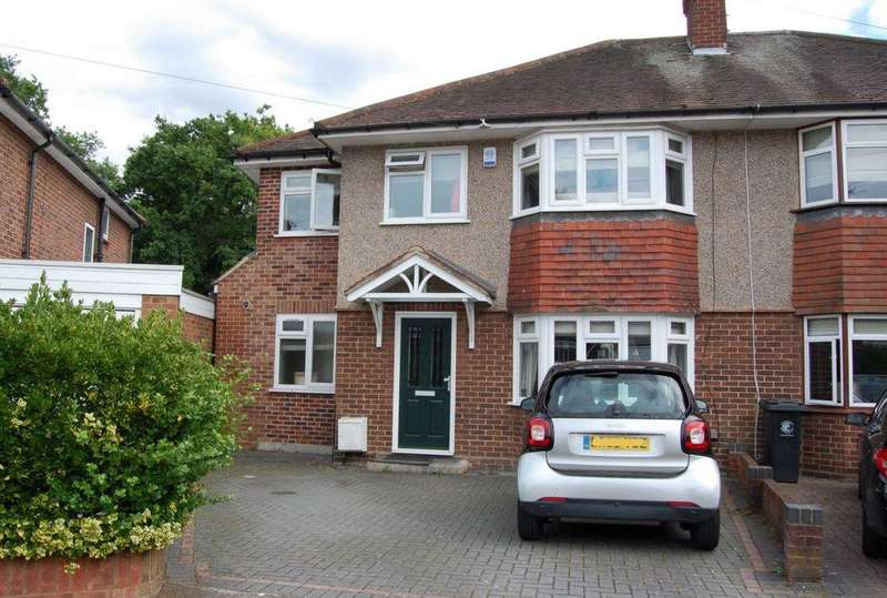 4 Bedrooms Semi Detached House for sale in Princes Way, Buckhurst Hill, IG9