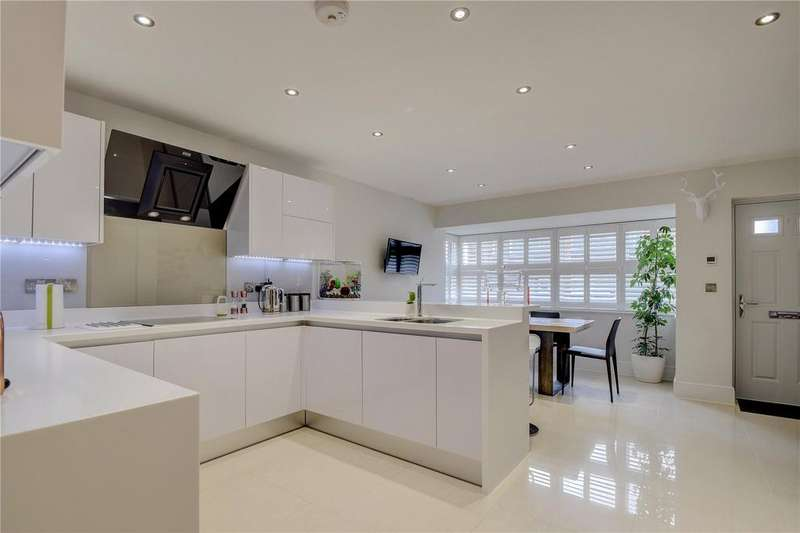 4 Bedrooms Semi Detached House for sale in Forest Road, Liss, Hampshire