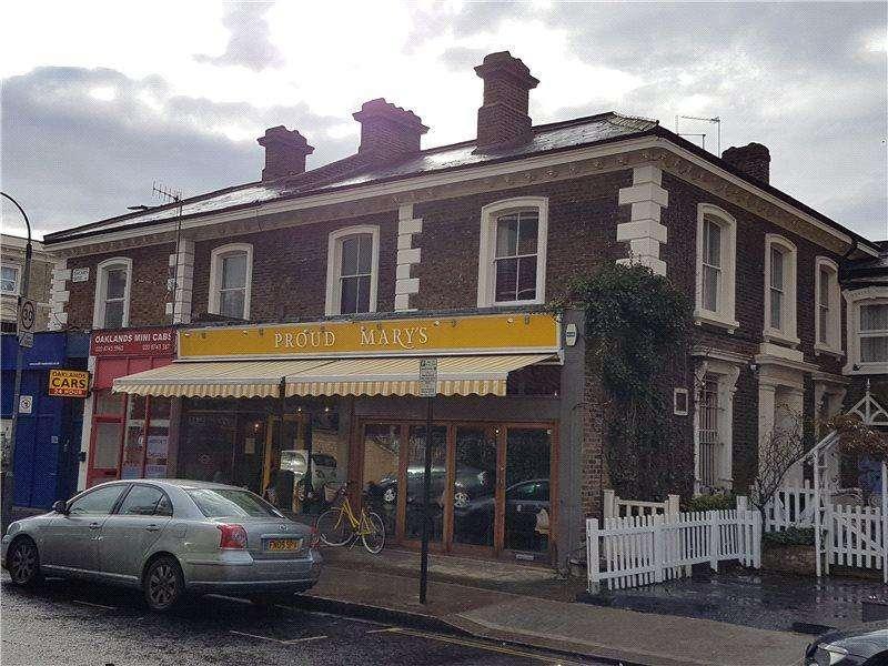 4 Bedrooms Flat for sale in Uxbridge Road, London, W12