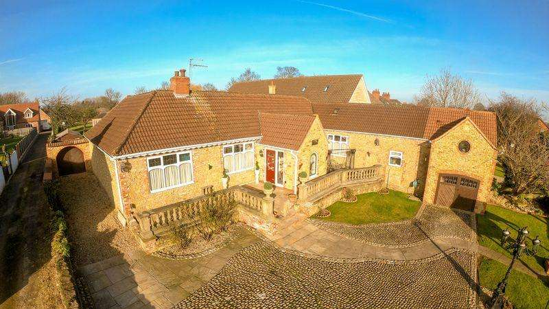 4 Bedrooms Detached Bungalow for sale in Old Brumby Street, Scunthorpe