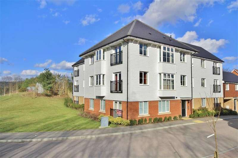 2 Bedrooms Flat for sale in Borough Green, Kent