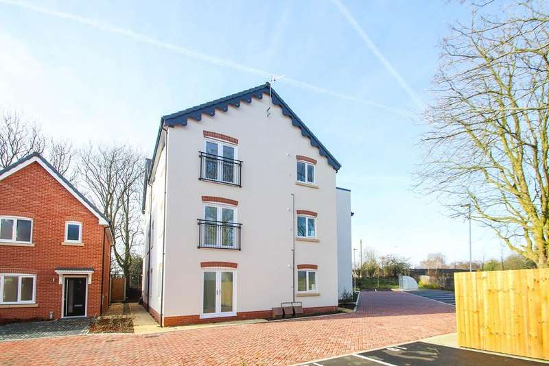 2 Bedrooms Apartment Flat for rent in Glazebrook Meadows, Glazebrook, Warrington, WA3