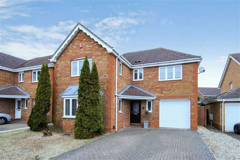 4 Bedrooms Detached House for sale in Stevenson Road, Taw Hill, Wiltshire