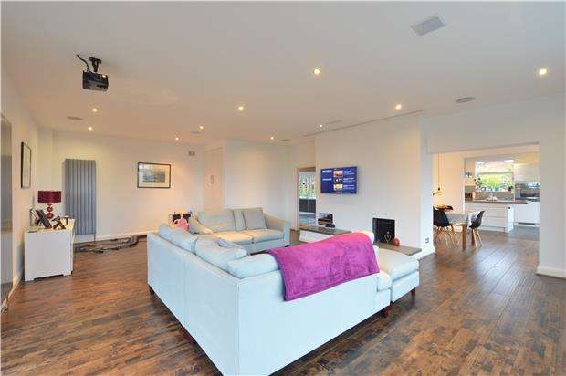 4 Bedrooms Detached House for sale in Pilgrims Way East, Otford, Sevenoaks, Kent, TN14 5RX