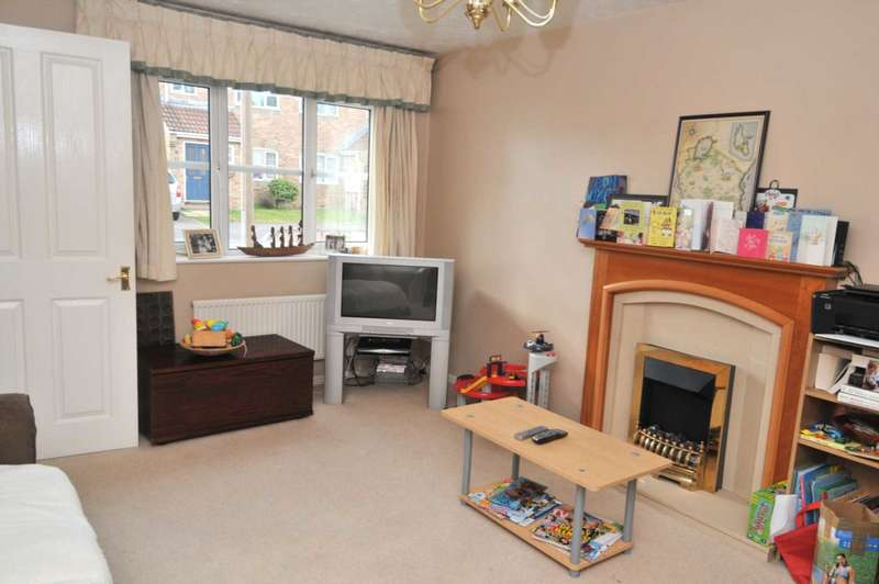 3 Bedrooms House for rent in Wantage Close, Maidenbower, Crawley