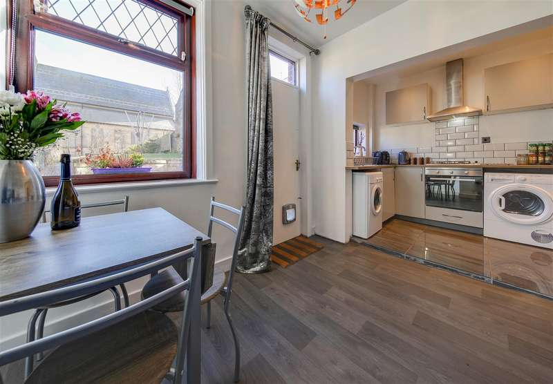 3 Bedrooms Terraced House for sale in Rose Bank Street, Bacup, Lancashire