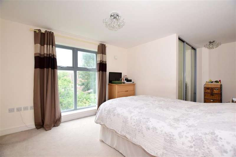 2 Bedrooms Apartment Flat for sale in Church Street, Maidstone, Kent