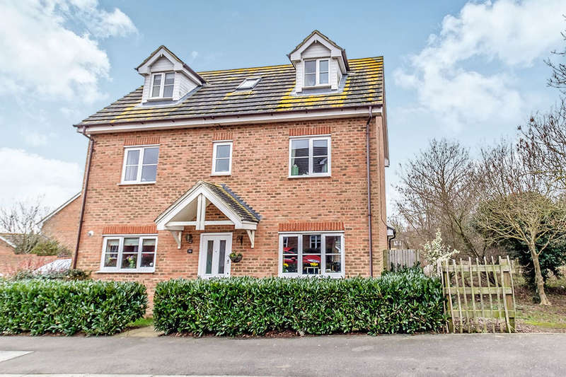 5 Bedrooms Detached House for sale in Shelduck Close, Allhallows, Rochester, ME3